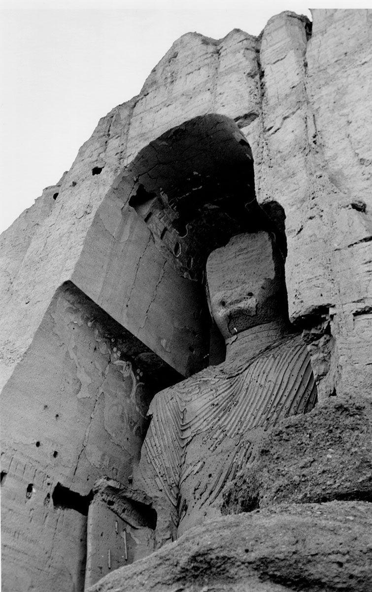 4-Tete-et-torse-du-Grand-Bouddha-a-Bamyan-1968